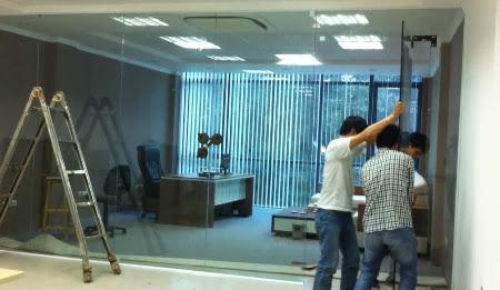 Đội ngũ kỹ thuật thi công cửa kính